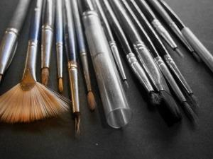 brush-218990_640